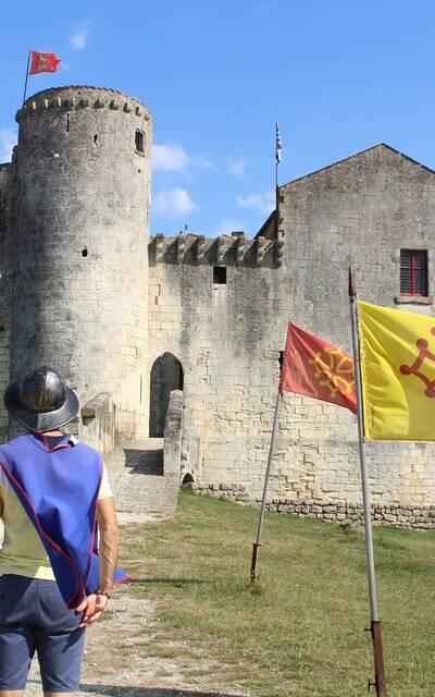 Château Fort de Saint-Jean d'Angle - ©P.Migaud / FDHPA17
