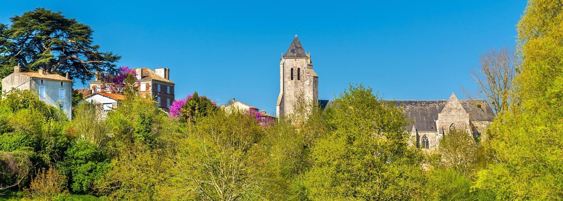 Abbaye Royale de Celles-sur-Belle - ©Shutterstock