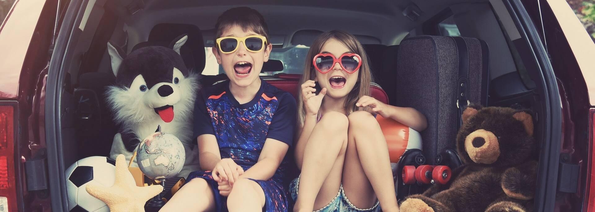 Enfants prêts à partir au camping - ©Shutterstock
