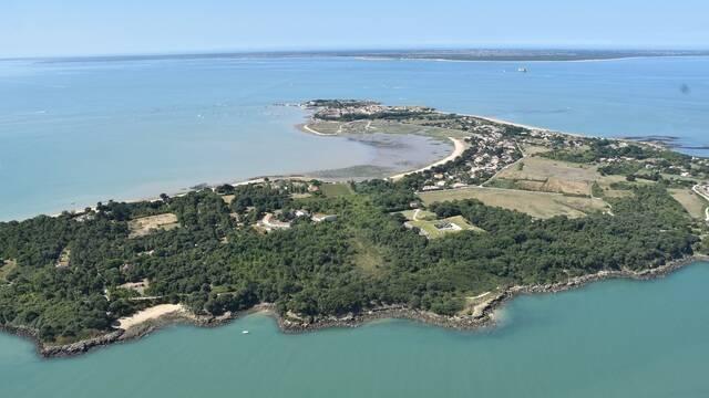 Vue aérienne de l'île d'Aix - ©FDHPA17