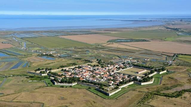 Vue aérienne de la citadelle de Brouage - ©FDHPA17
