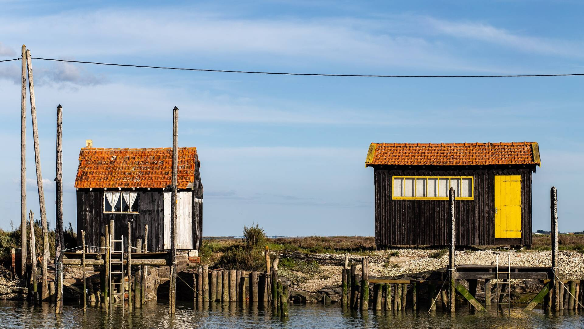 Cabanes ostréicoles sur l'île d'Oléron - ©Shutterstock