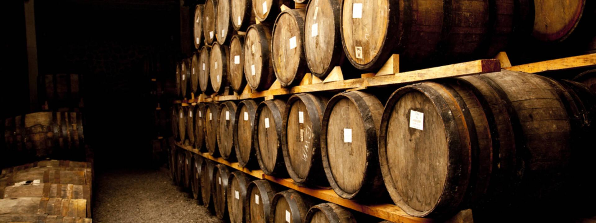L'intérieur d'un chai de cognac - ©Shutterstock