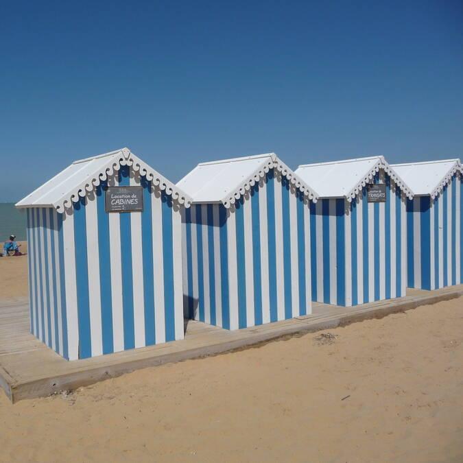 Cabines de plage à Châtelaillon-Plage © Claire VAURIGAUD / CMT