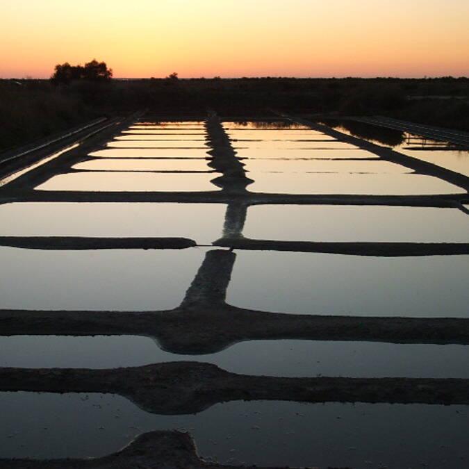 Coucher de soleil sur les marais salants - ©S.Nadouce / Charentes Tourisme