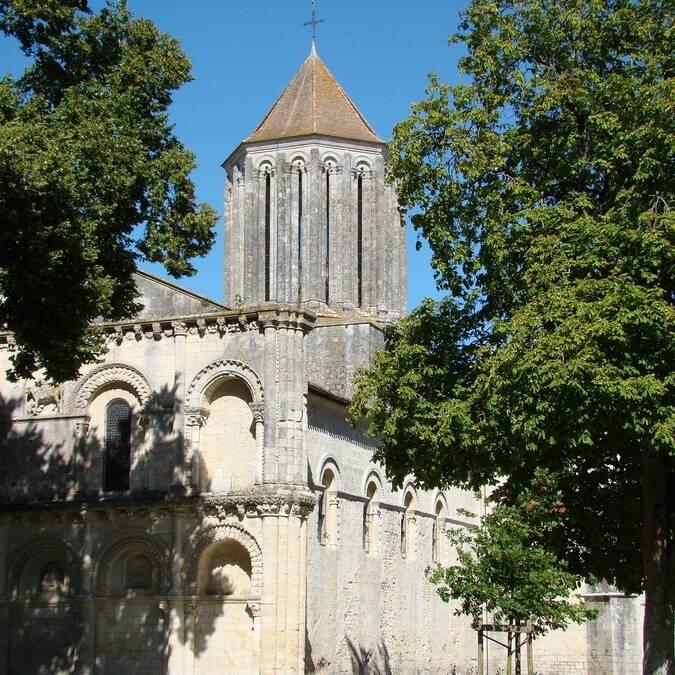 L'église Notre-Dame de Surgères - ©C.Triballier / Charentes Tourisme