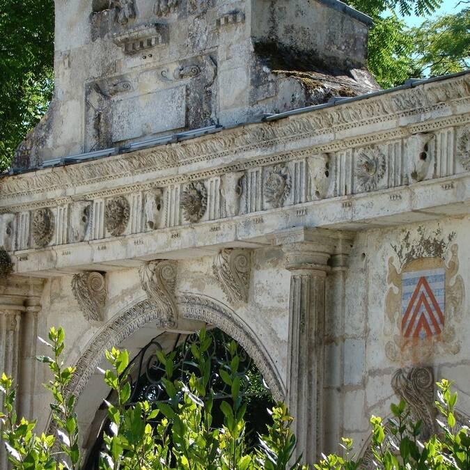 Porte de la Renaissance à Surgères - ©C.Triballier / Charentes Tourisme
