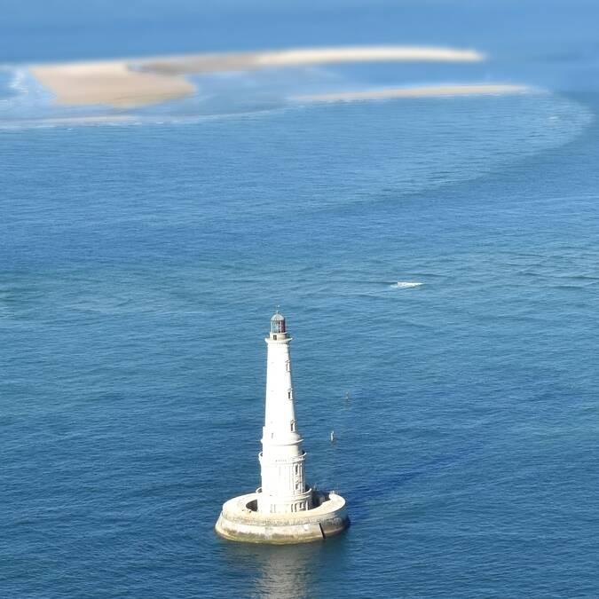 Le phare de Cordouan vu du ciel - ©FDHPA17
