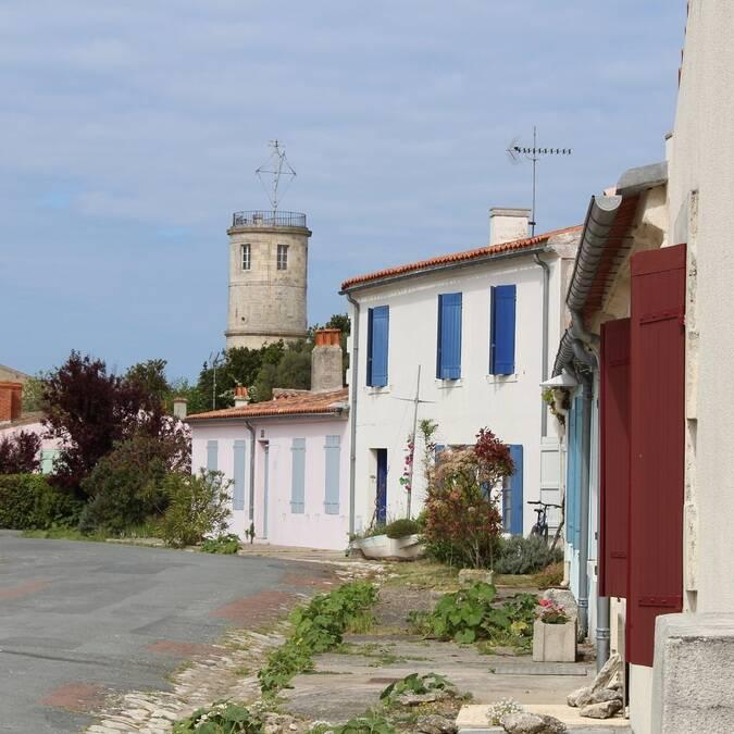 Le charmant village de l'île d'Aix - P.Migaud FDHPA17
