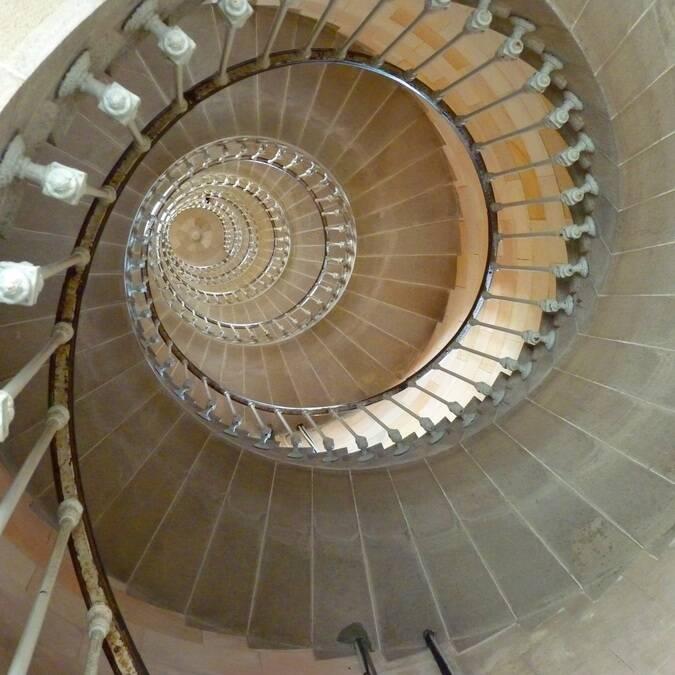 Magnifique escalier du phare des baleines - ©P.Migaud / FDHPA17
