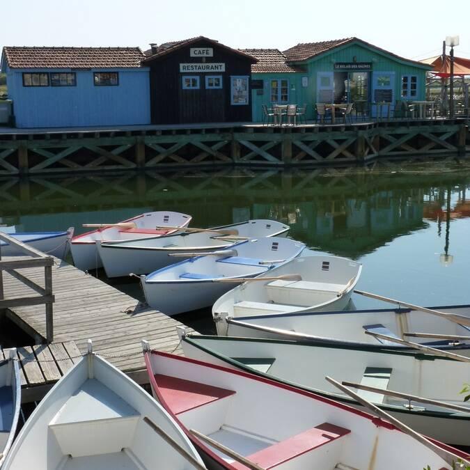 Tour en barque au port des salines - ©P.Migaud / FDHPA17