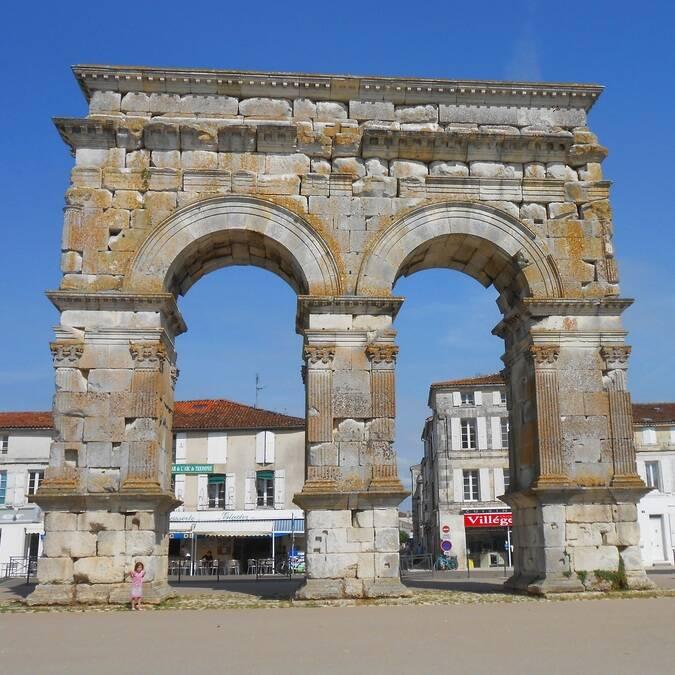 L'arc de Germanicus à Saintes - © V.Baumard / FDHPA17