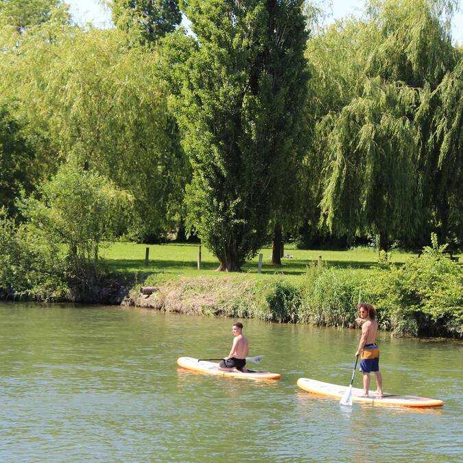 Paddling on the Charente - ©P.Migaud / FDHPA17