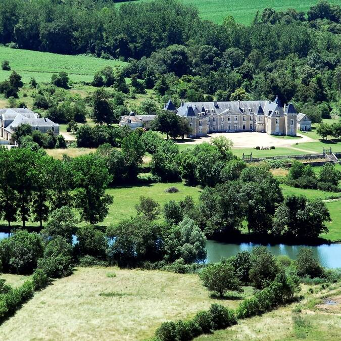 Aerial view of the Chateau de Panloy - © FDHPA17