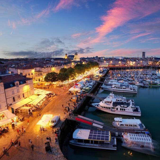 Le Vieux-Port vu de nuit - ©Shutterstock