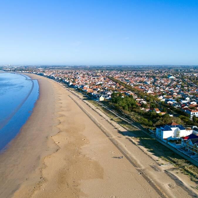 Vue aérienne de la plage de Châtelaillon - ©Shutterstock
