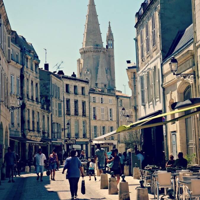 Rue Saint Jean du Perot in La Rochelle - ©P.Migaud / FDHPA17