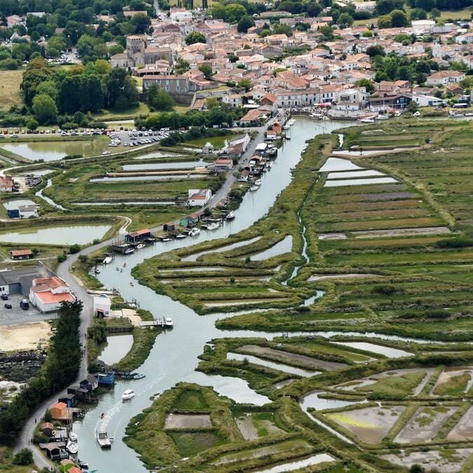 Vue aérienne de Mornac sur Seudre - ©FDHPA 17